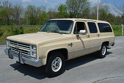 1987 Chevrolet Suburban 2WD 2500 for sale 100992572