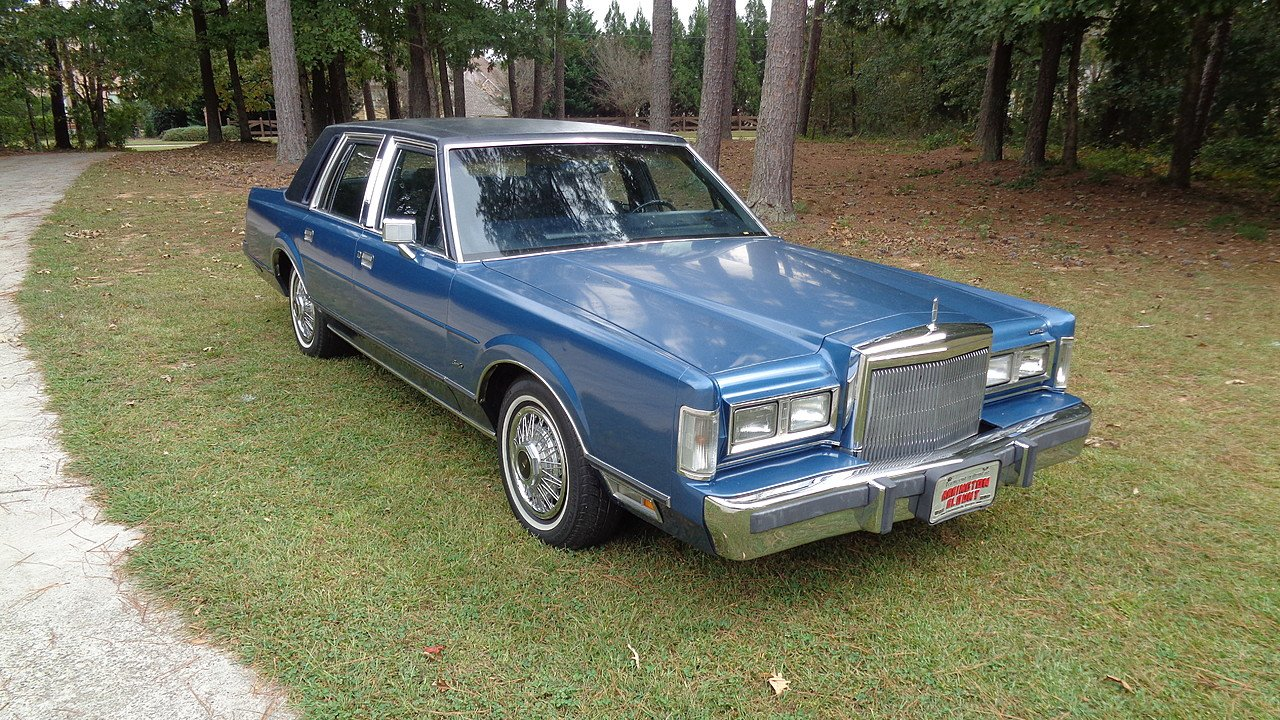 Lincoln Town Car Classics for Sale - Classics on Autotrader
