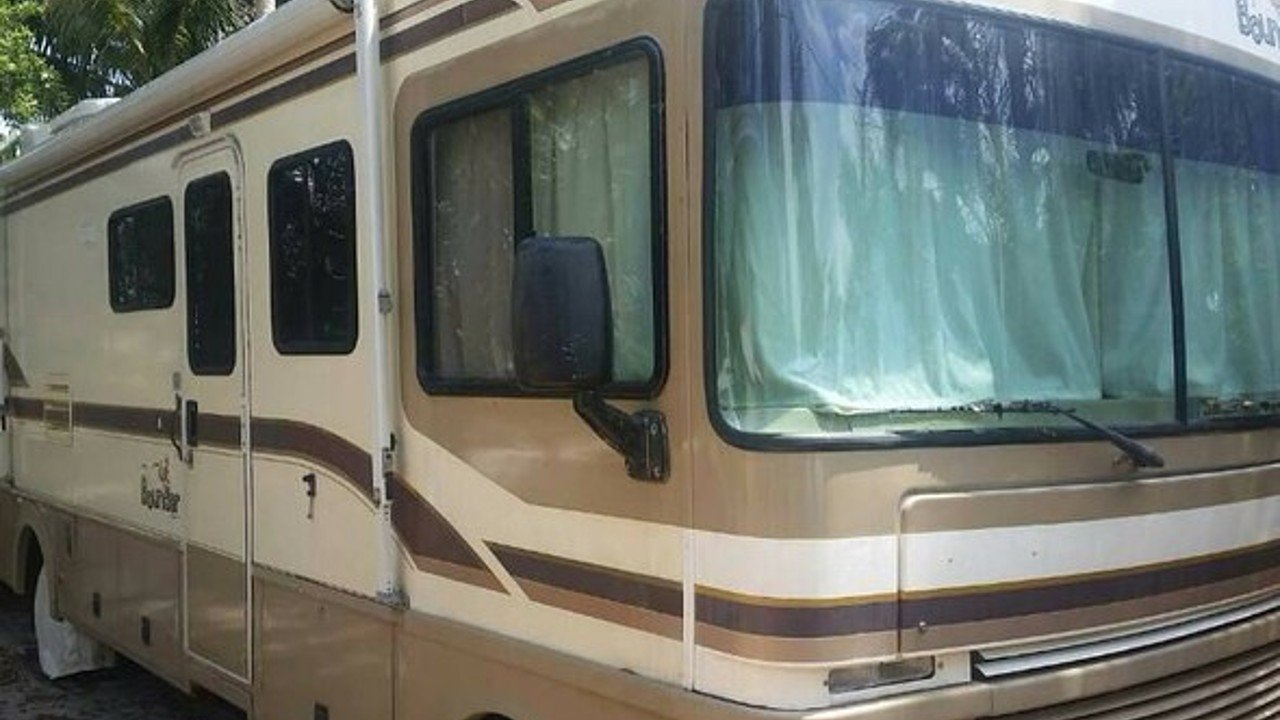 1998 fleetwood Bounder for sale 300146091