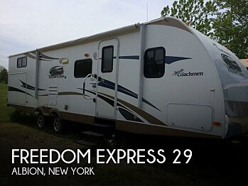 2013 Coachmen Freedom Express for sale 300136467