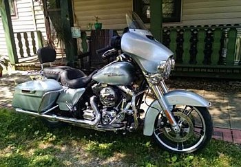 2014 Harley-Davidson Touring for sale 200427813