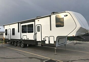 2017 Grand Design Momentum for sale 300143864