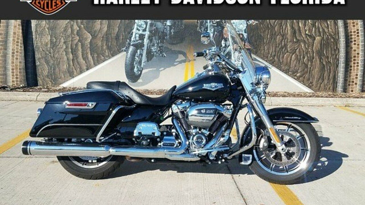 2017 Harley-Davidson Touring Road King for sale 200525318