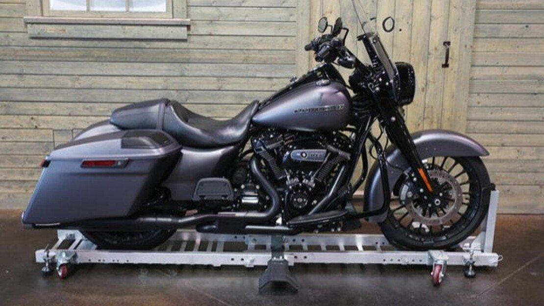 2017 Harley-Davidson Touring for sale 200624346