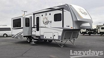 2017 Highland Ridge Light for sale 300122456