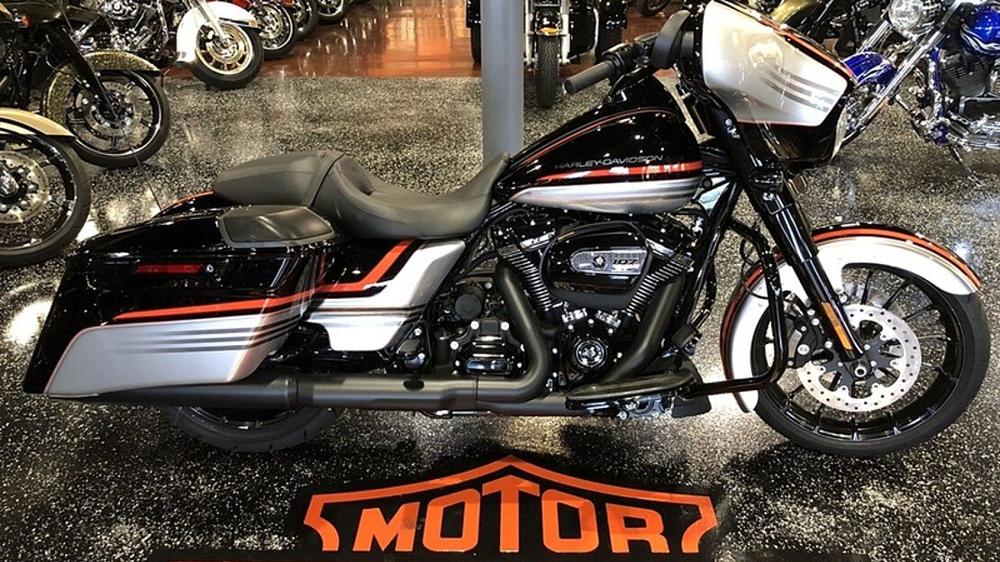 2018 Harley-Davidson Touring for sale 200522303