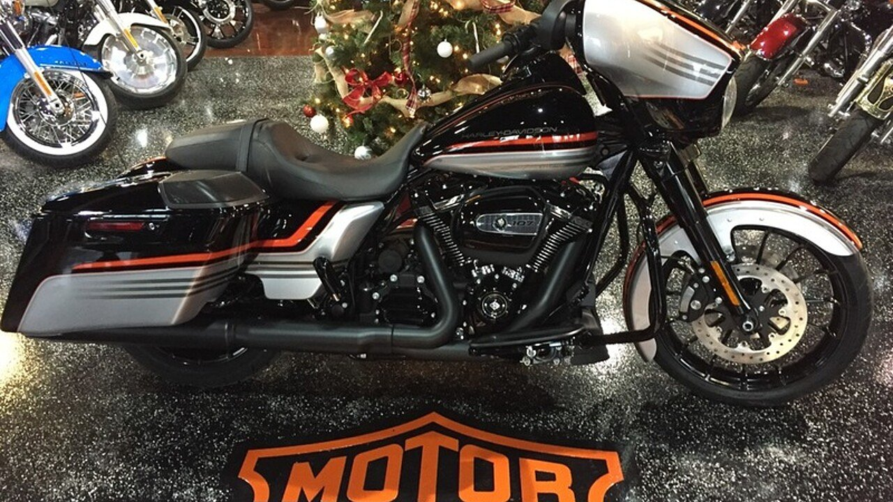 2018 Harley-Davidson Touring for sale 200522303