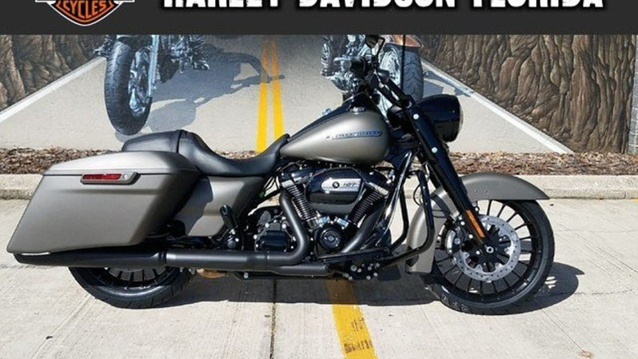 2018 Harley-Davidson Touring for sale 200525311