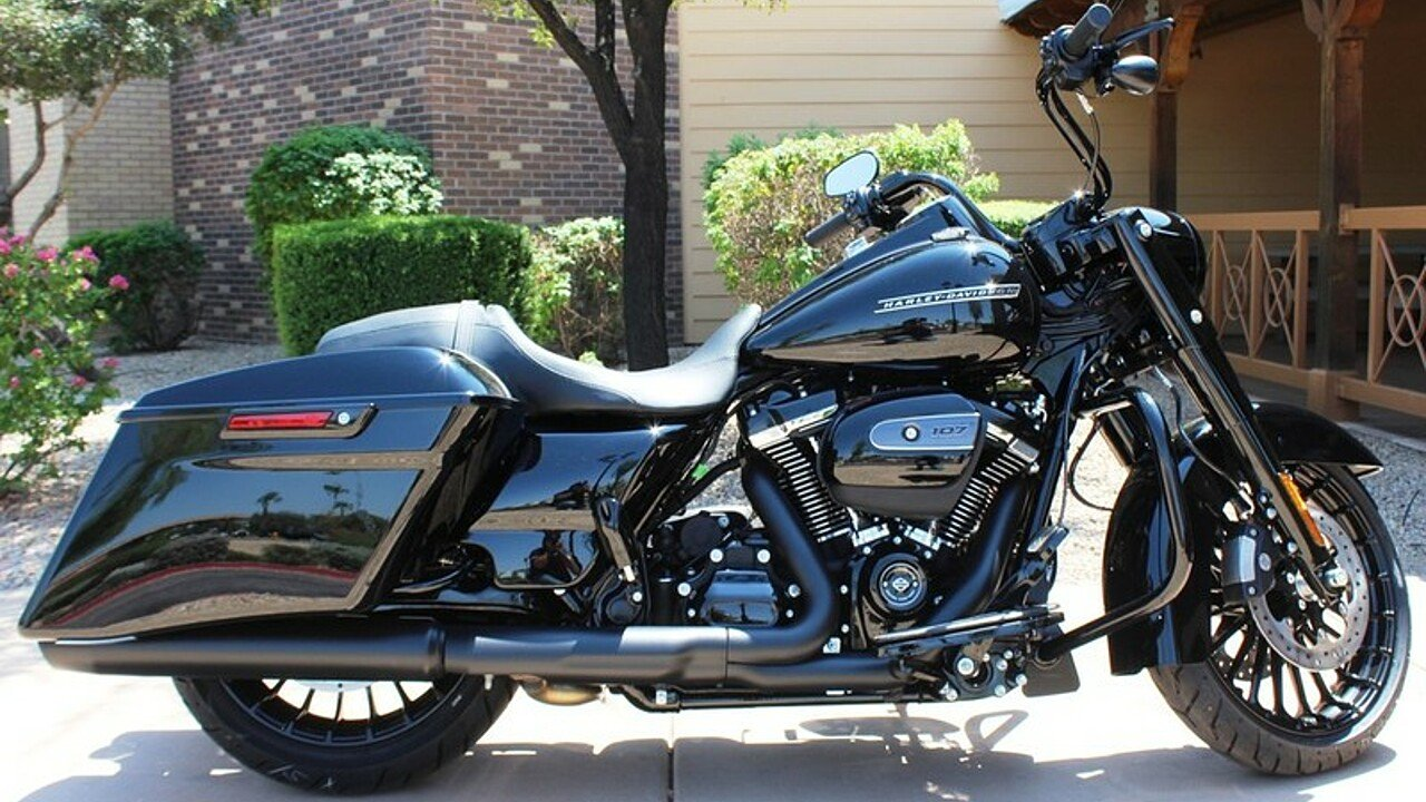 2018 Harley-Davidson Touring for sale 200526177