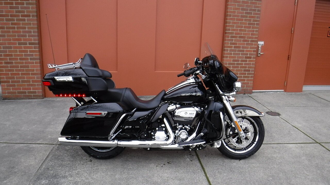 2018 Harley-Davidson Touring for sale 200527854