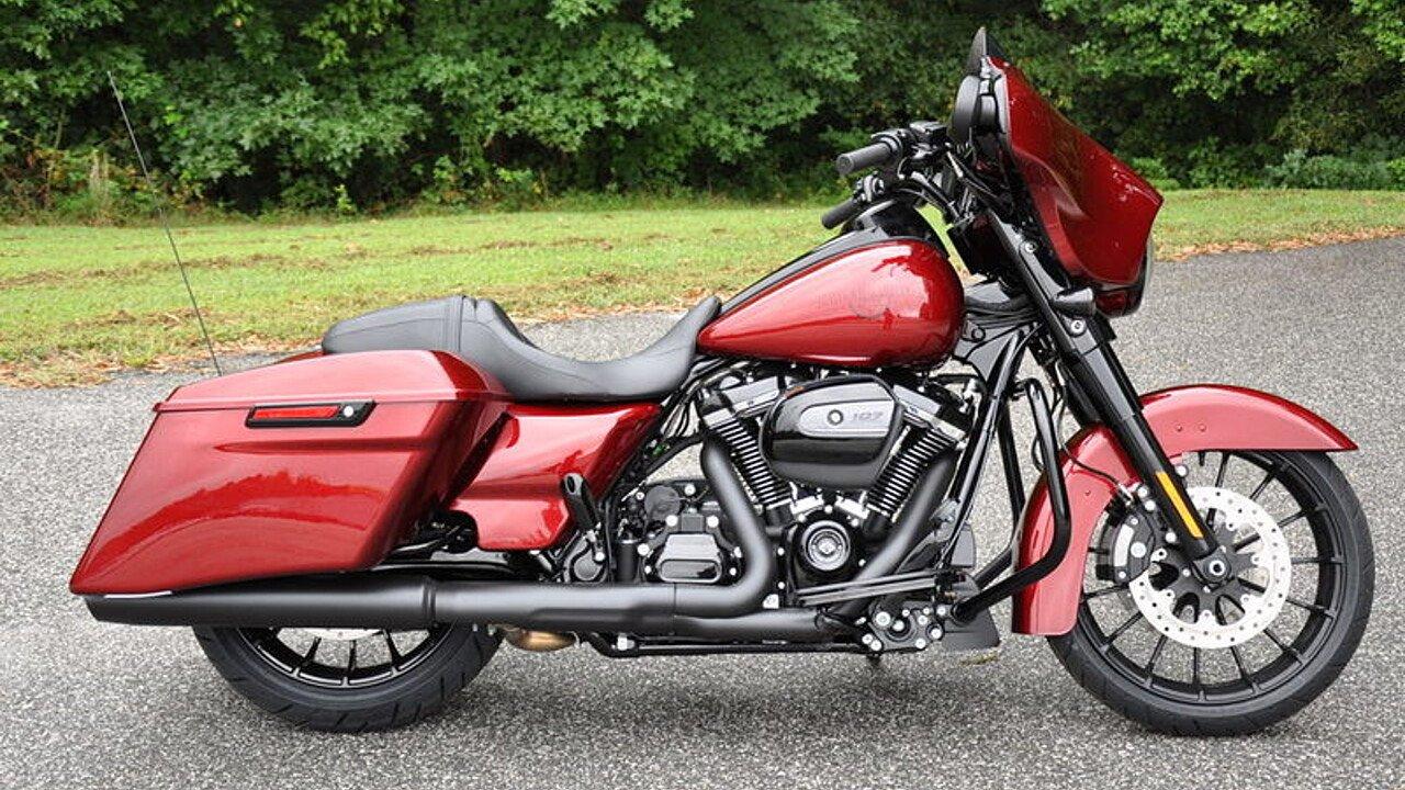 2018 Harley-Davidson Touring for sale 200563343