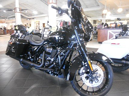 2018 Harley-Davidson Touring for sale 200534110