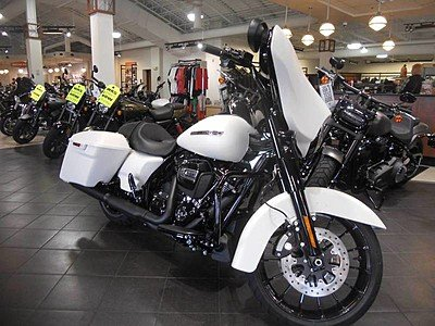 2018 Harley-Davidson Touring for sale 200603610