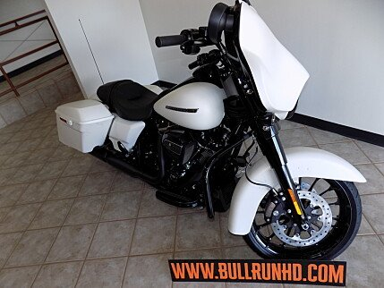 2018 Harley-Davidson Touring for sale 200609524