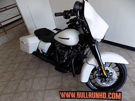 2018 Harley-Davidson Touring for sale 200609525